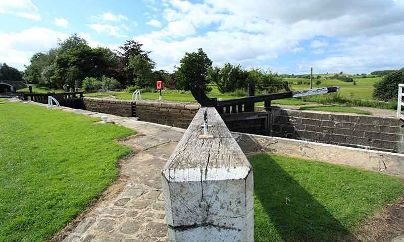 Bank Newton canal locks